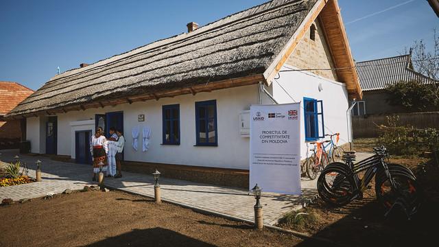 FOTO   O casă bătrânească, ridicată acum 100 de ani și reconstruită din temelie a devenit pensiune pentru turiști, la sudul R.Moldova