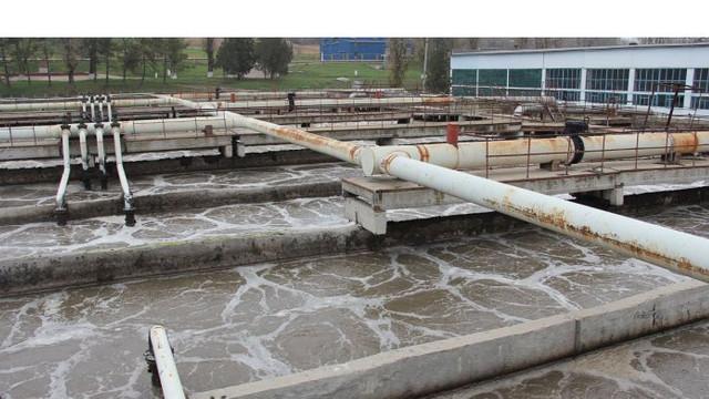 Procurorii au pornit o cauză penală pe faptul poluării apei și aerului în municipiul Chișinău