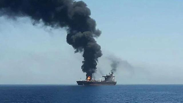 """Explozie la bordul unui petrolier iranian, în apropierea unui port din Arabia Saudită: """"Este vorba despre un atac terorist"""