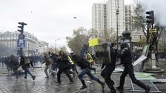 Violenţe extreme la Paris. 150 de persoane au fost reţinute
