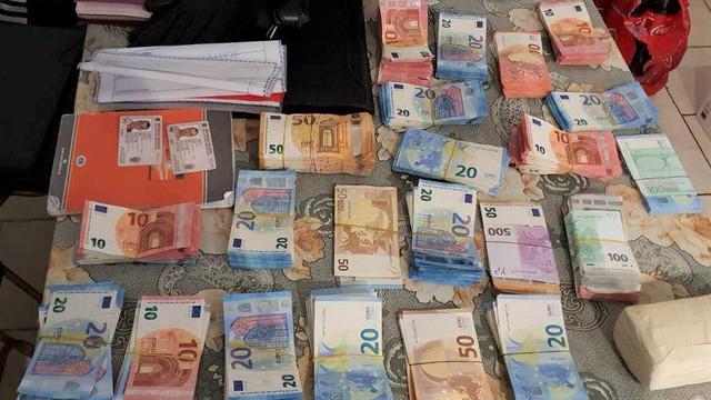 VIDEO | Cetățeni din R.Moldova, România și Franța au prejudiciat bugetul Franței cu 2,7 milioane de euro. Grupul criminal a fost destructurat de oamenii legii