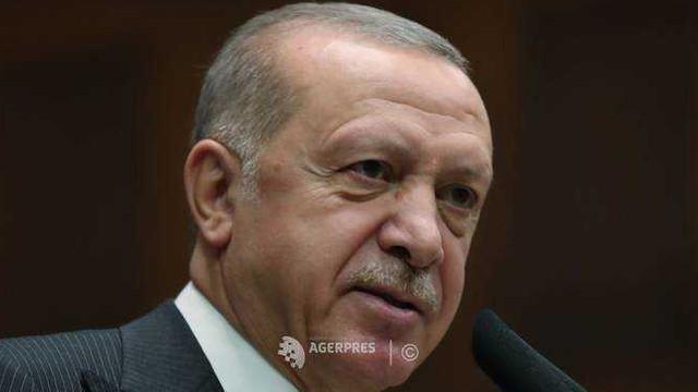 Erdogan ameninţă din nou că Turcia va lăsa refugiaţii să plece spre Europa dacă UE nu îi dă bani