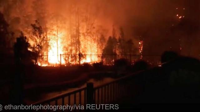 Pompierii din Australia se luptă cu incendiile de vegetaţie şi se pregătesc pentru condiţii