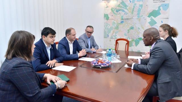 Și ambasadorul SUA a avut o întrevedere cu primarul Capitalei, Ion Ceban