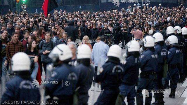 Grecia: 28 de arestări în urma unor violențe în timpul manifestației de marcare a revoltei studențești din 1973
