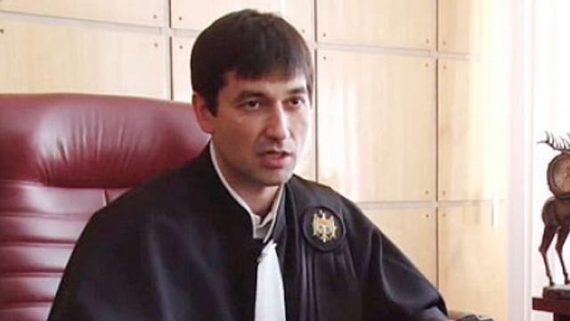 DOC   Curtea de Apel a decis suspendarea executării hotărârii CSM prin care a fost permisă cercetarea și arestarea judecătorului Oleg Sternioală