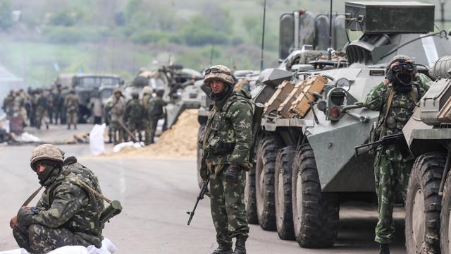 Retragerile de trupe dintr-un sat din regiunea Donbass din estul Ucrainei vor începe sâmbătă