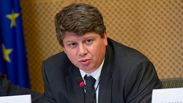 Decretul președintelui Dodon privind rechemarea șefului Misiunii Republicii Moldova pe lângă UE, Eugen Caras, a fost publicat în Monitorul Oficial