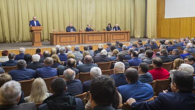 Promisiunile lui Igor Dodon după participarea la Consiliul Republican al PSRM, convocat fără a fi anunțată presa