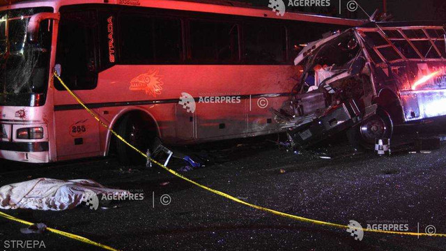Mexic: 13 morți într-un accident cu trei autobuze