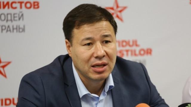 Cum socialistul Țîrdea a scăldat Parlamentul cu date false și irelevante pentru a argumenta moțiunea (Mold-street)