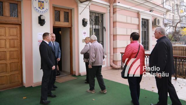 TABEL | Care sunt timpii de așteptare la secțiile de votare deschise pe teritoriul R.Moldova, pentru alegerile prezidențiale din România
