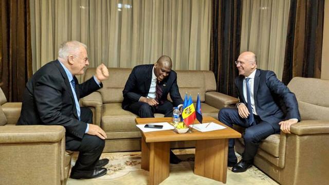 După ce l-au votat pe Chicu, democrații s-au întâlnit cu ambasadorul Statelor Unite