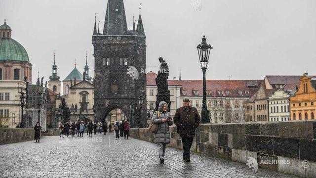 Locuitorii din Praga s-au săturat de turişti, la 30 de ani de la căderea comunismului