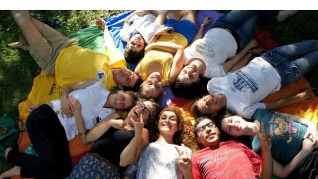 Pe 10 noiembrie este marcată Ziua Națională a Tineretului