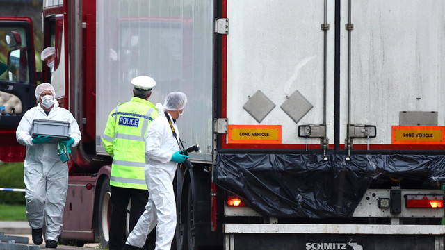 Printre victimele găsite decedate în camionul din Marea Britanie se numără și nouă adolescenți
