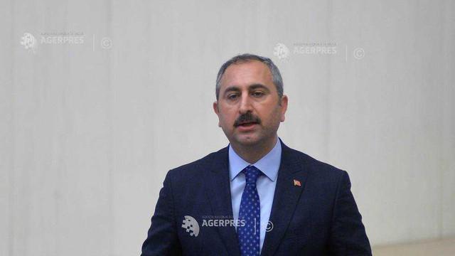 Turcia amenință că va trimite deținuți din gruparea Stat Islamic în țările de origine