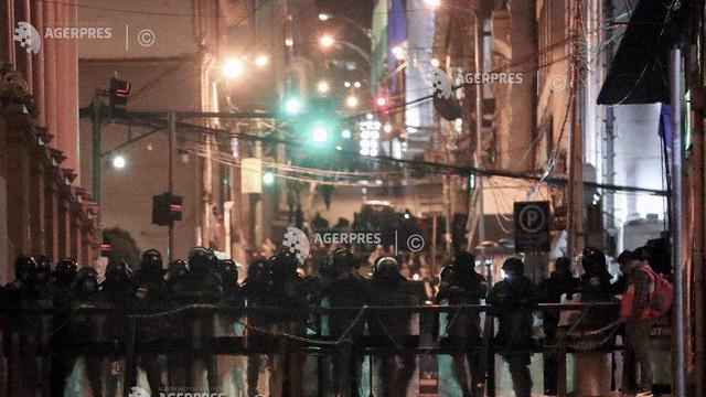 Bolivia: Unităţi de poliţie se revoltă în trei oraşe împotriva preşedintelui Evo Morales