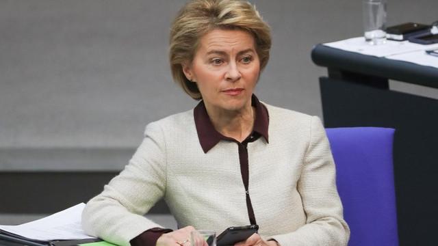 Președintele Comisiei Europene: Macron a deschis Rusiei ușa spre Balcanii de Vest