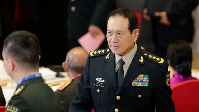 Beijingul cere Washingtonului să înceteze să-şi mai încordeze muşchii în Marea Chinei de Sud