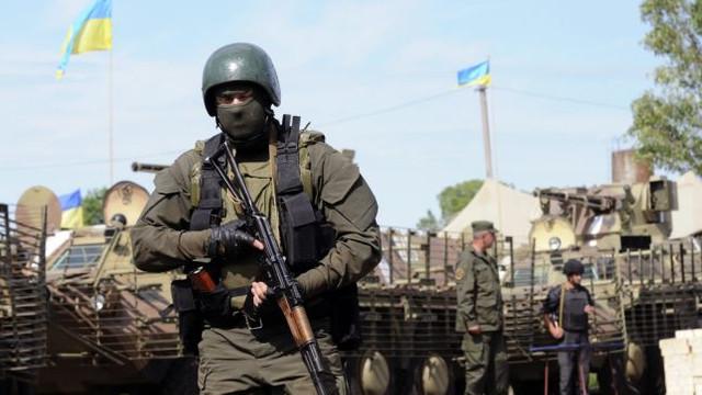 Separatiştii din Donbas continuă să încalce armistiţiul - acuză armata Kievului