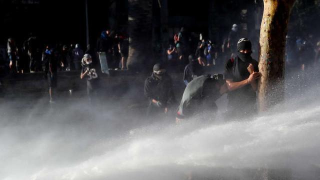 Chile: Manifestanți au luat cu asalt un mare centru comercial în Santiago