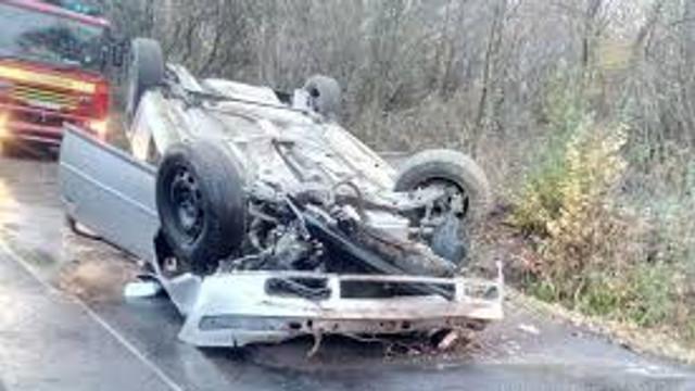 Opt accidente rutiere s-au produs în noaptea de vineri spre sâmbătă, soldate cu două persoane decedate și 11 traumatizate