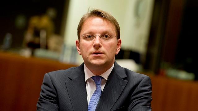 Viitorul comisar european pentru vecinătate avertizează: Asistența financiară acordată Republicii Moldova ar putea fi suspendată