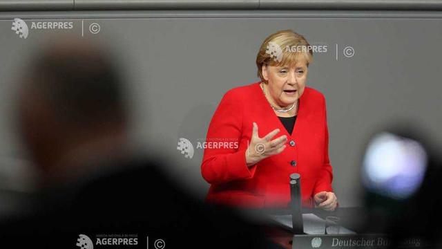 Germania: Merkel se pronunţă pentru creşterea exporturilor germane de arme în Africa pentru combaterea terorismului