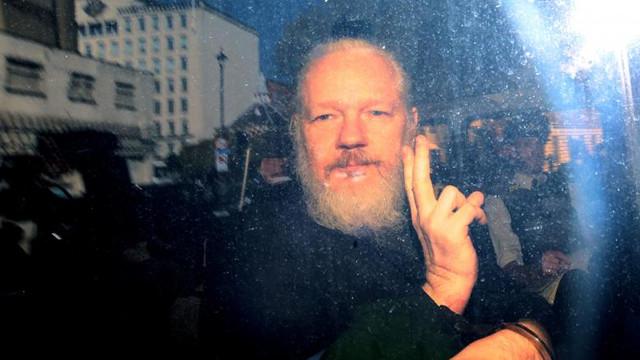 Raportorul ONU care l-a vizitat pe Julian Assange în închisoare: Tratamentul la care este supus îi pune viața