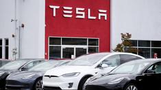 Tesla renunță la un model mai ieftin. Motivul invocat de Elon Musk