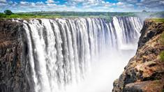 FOTO | Celebra cascadă Victoria din Africa aproape a secat