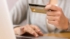 În atenția celor care cumpără online! Avertizările și măsurile de precauție, enunțate de Serviciul Tehnologia Informației și Securitate Cibernetică