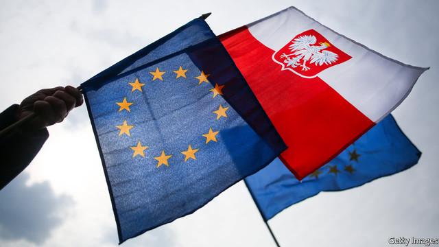 Polonia ar putea părăsi UE ca urmare a legii ce sancţionează magistraţii ostili reformelor în justiţie