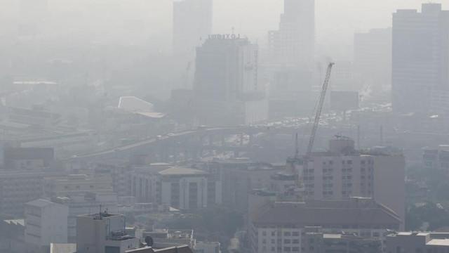 Poluare sufocantă în Bangkok. După luni de aer curat, oamenii au fost avertizați să nu iasă din casă