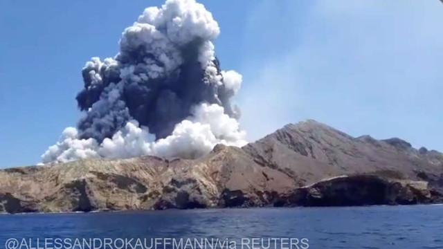 Erupţia vulcanică din Noua Zeelandă: 5 morţi, circa 20 de răniţi grav şi 8 dispăruţi; poliţia a deschis o anchetă