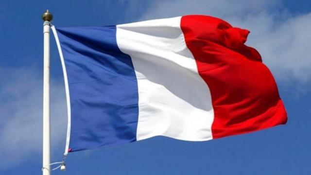 Franța   Trei ofițeri de poliție au împușcat mortal un individ care i-a amenințat cu cuțitul