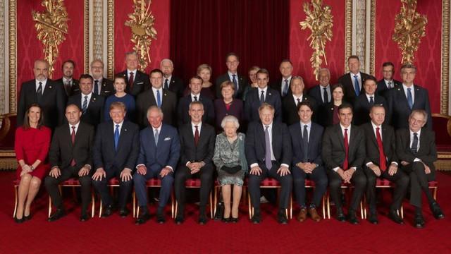 Liderii statelor membre ale NATO au participat la un dineul Reginei Elisabeta a II-a a Marii Britanii, la Palatul Buckingham