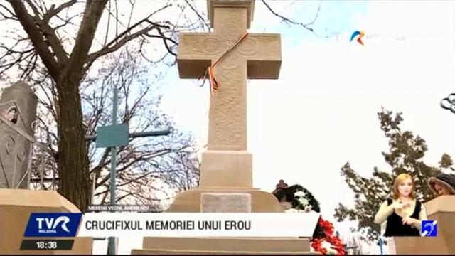 """La mormântul plutonierului român Ioan Căplescu a fost inaugurat un crucifix. """"Datoria noastră este să-i cinstim pe cei care au fost eroi, dar au fost marginalizați"""""""