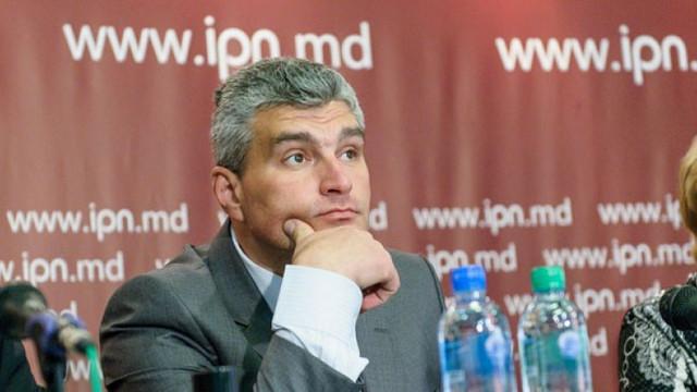 Alexandru Slusari: Colectăm semnături pentru ședința extraordinară a Parlamentului pe subiectul Aeroportului