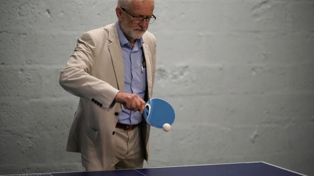 Jeremy Corbyn va renunța la șefia Partidului Laburist, după ce a dus formațiunea la cel mai slab rezultat din ultimii 84 de ani