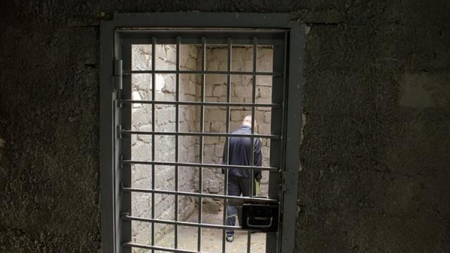 Deși majoritatea minorilor din detenție au avocat, dreptul la apărare este ratat – raport
