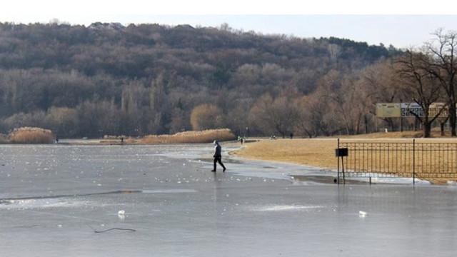 Avertizarea privind pericolul în urma formării stratului subțire de gheață la suprafața bazinelor acvatice a fost extinsă