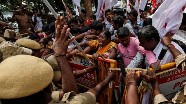 India: Noi manifestaţii împotriva legii privind cetăţenia; bilanţul urcă la 21 de morţi