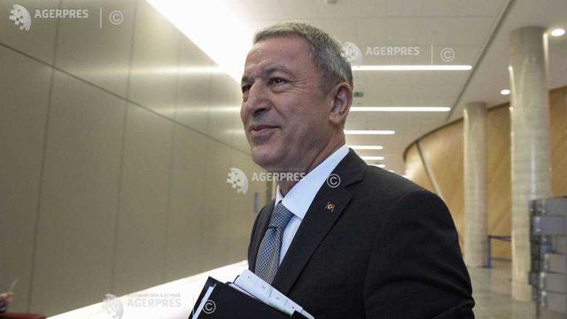Turcia a fost lăsată singură în lupta contra terorismului, declară ministrul turc al apărării