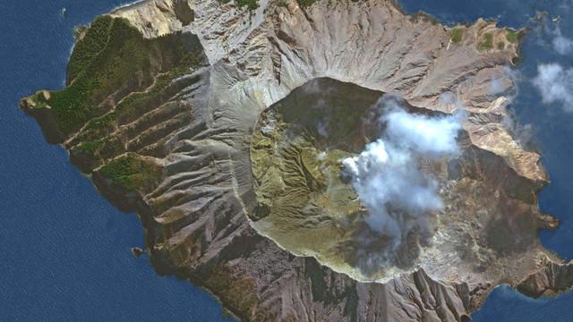 FOTO/VIDEO: O persoană a murit și zeci de oameni, răniţi sau daţi dispăruţi în urma erupției vulcanul White Island din Noua Zeelandă