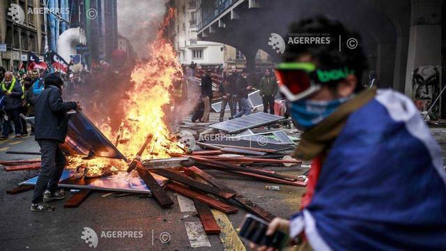 Franţa: Ciocniri la Paris în cursul unei demonstraţii a 'Vestelor galbene' şi împotriva reformei sistemului de pensii