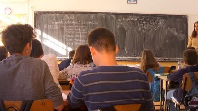 Republica Moldova are tot mai puțini elevi și absolvenți, iar majoritatea studiază în limba română