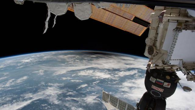 Agenția Spațială Europeană trimite un robot care va curăța gunoiul de pe orbita terestră: E cea mai mare groapă de gunoi a omenirii