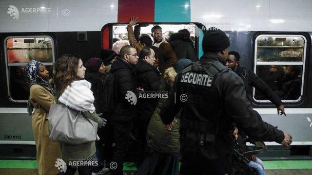 Franța, blocată de o nouă zi de grevă împotriva reformei sistemului de pensii
